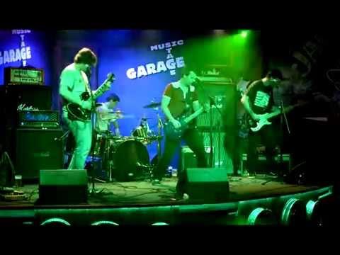 Zotrwačnosť - Zotrwačnosť - Pasca (live in Garage music bar 2014)