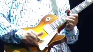 Mark Knopfler Hill Farmer Blues, Paris 2008 great guitar solo