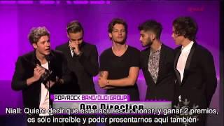 One Direction mejor grupo pop en los AMAs 2013 - Subtitulos en español.