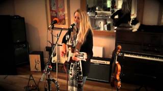 Joni Fuller - The Penny Looping Video