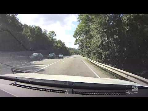 BMW занесло на встречку, прямо под грузовик