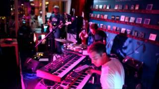 Noya Rao - Live at The Canteen, Bristol Summer 2014 - 7 UH!