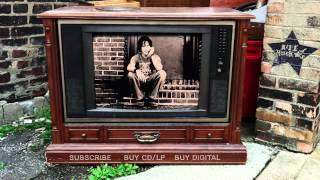 Elliott Smith – Little One (from From A Basement On The Hill)