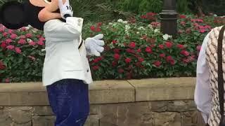 ウォルト仮装でディズニーシーのミッキーに会いに行った