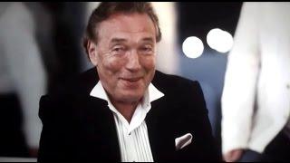 """Karel Gott In """"Zeiten ändern Dich"""" (2010) Bushido Biopic"""