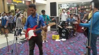 Must watch: Aadat (Atif Aslam) -live