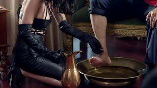 Hayalet Dayı - Erol Büyükburç Kölesine Ayaklarını Yıkatıyor