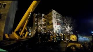Кадры спасательных работ на месте обрушения жилого дома в пос.Шахан города Шахтинска