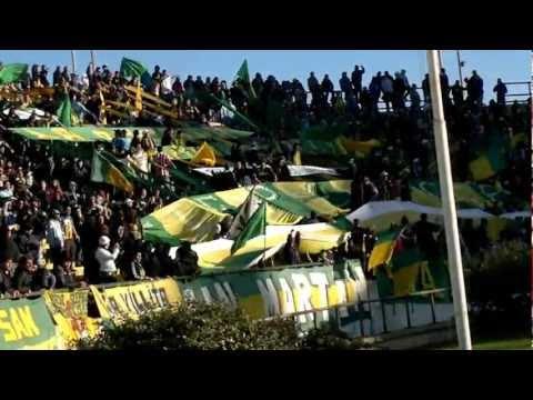 """""""Aldosivi - Defensa y Justicia 16-06-2012 (01)"""" Barra: La Pesada del Puerto • Club: Aldosivi"""