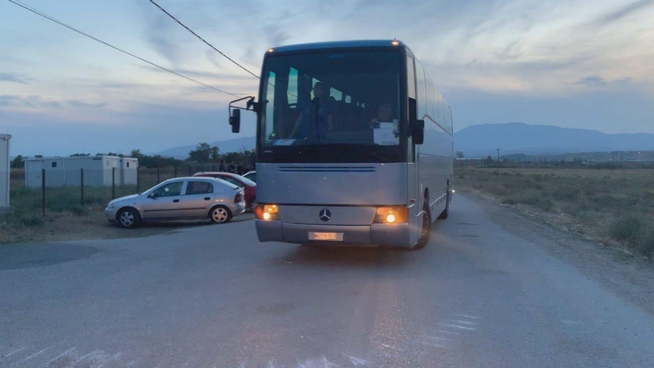 Έφτασαν τα πρώτα λεωφορεία στη δομή της Νέας Καβάλας
