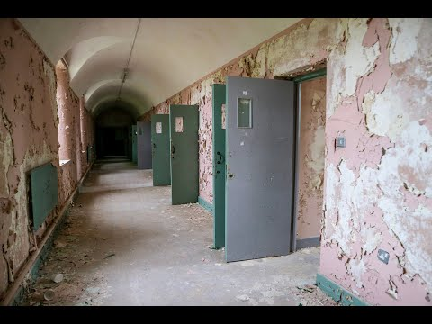 Inside Abandoned Irish Asylum: Decay, Power and Remnants from the Past - URBEX UK