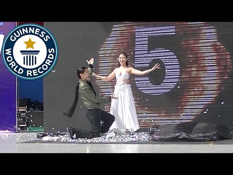 Most costume changes in one minute - Guinness World Records