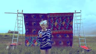 KLARA. feat. Ambryzy - Country Girl (Official Music Video)
