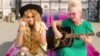 De Qué Sirve - Paulina Rubio  (Video)