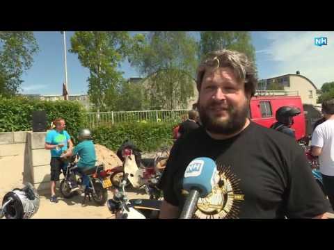 Ronkende motoren en knallende uitlaatpijpen: Honda-brommers toeren door 't Goo