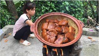 Không Cầm Được Nước Miếng Với Món Thịt Kho Nồi Đất Của Vợ Chồng Người Dân Tộc Vùng cao