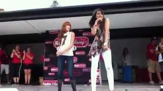 Сиси Джонс, Bella Thorne and Zendaya