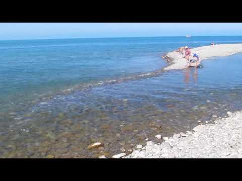 Лазаревское | Пляж, где река впадает в море