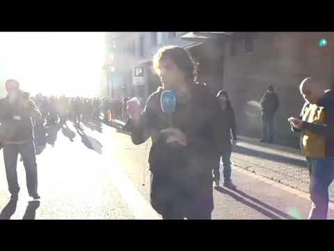 Los CDR agreden a un periodista de Intereconomía en Barcelona