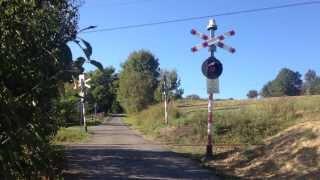 preview picture of video 'Przejazd Kolejowy w Stryszowie (Przed Modernizacją)'