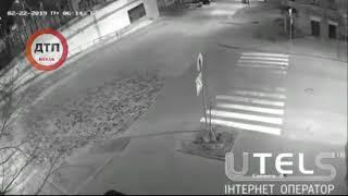 Видео момента утреннего дтп в Киеве на Крещатике,, чудом все живы