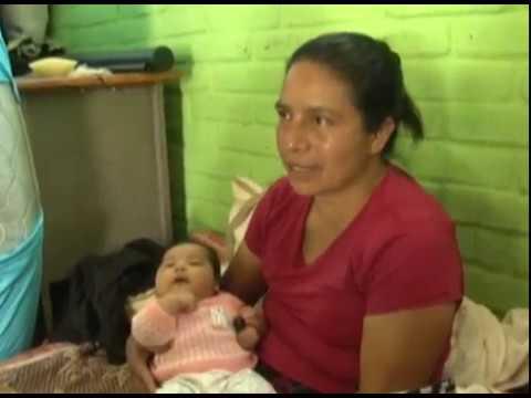 Familias de Apaneca, Ahuachapán en alerta por sismos y grietas en la zona de la laguna