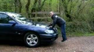 preview picture of video 'Vauxhall  Omega ALARM!'