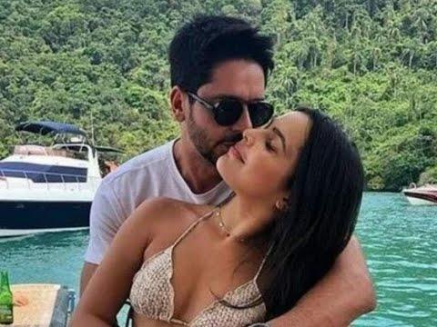 Emilly Araújo anuncia fim do noivado com Paulo Simão