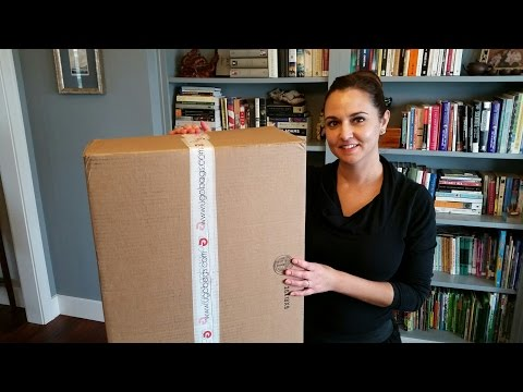 Unboxing a UGOBAGS Personalized Suitcase