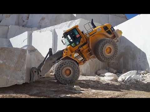 Granitt steinbrudd store maskiner