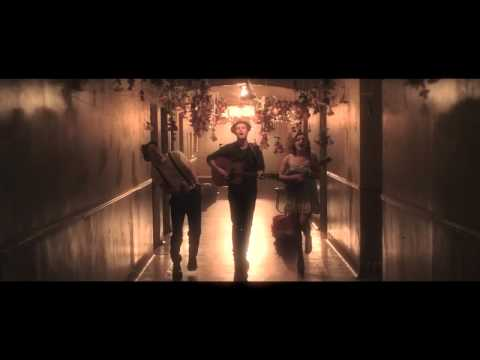 download lagu mp3 mp4 Ho Hey - The Lumineers, download lagu Ho Hey - The Lumineers gratis, unduh video klip Ho Hey - The Lumineers