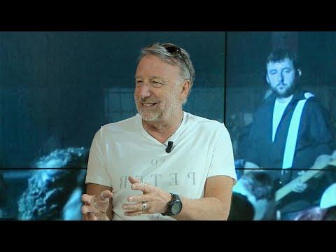 Ο Πίτερ Χουκ μιλά για τους Joy Division και το «Unknown Pleasures»