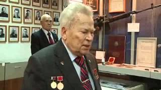 Михаилу Калашникову - 93 года