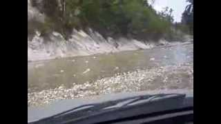 preview picture of video 'Increible rio en Haiti'