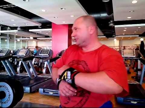 Les exercices pour les muscles du sternum à lhomme de vidéo
