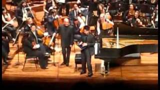 iPAD piano demonstrated by maestro Lang Lang playing FOBB