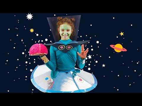 Disfraz de alien, extraterrestre, marciano casero - Manualidades Halloween para niños