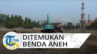 Ditemukan Benda Aneh di Proyek Revitalisasi Alun-alun Cirebon