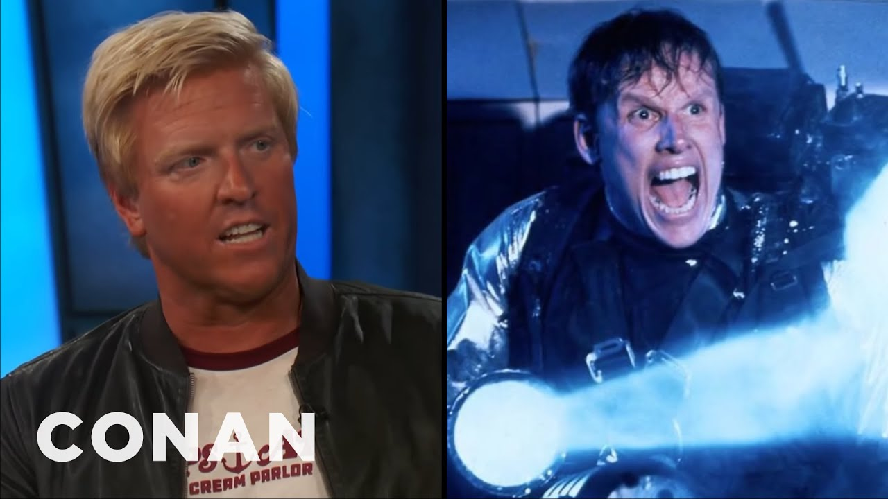 Predator 2 - Jake Busey Remembers Visiting Dad on Set