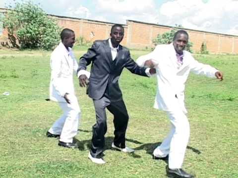 Katikati ya Miungu hakuna Mungu kama wewe