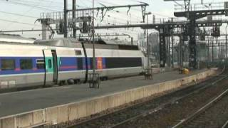 preview picture of video 'SNCF - Gare de Paris Lyon fin octobre 09 1/2'