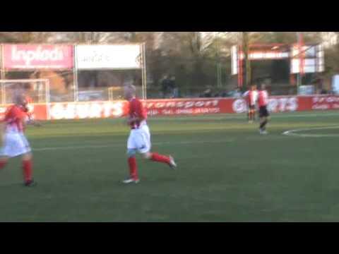 Veteranen voetbal wedstrijd JVC (Cuijk) - Feyenoord (Rotterdam)