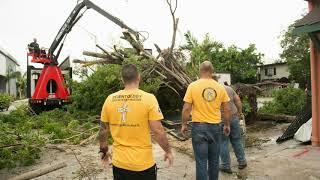 Саентологические волонтеры устраняют последствия урагана «Ирма», 2017 г.
