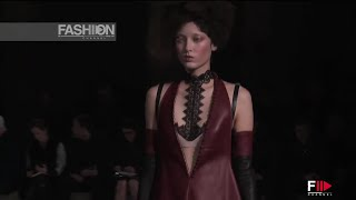 ALEXANDER MCQUEEN Full Show Paris Fashion Week Fall 2015 by Fashion Channel