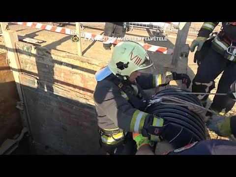 العرب اليوم - شاهد: محاولة إنقاذ قط في بودابست من حفرة بعمق 10 أمتار
