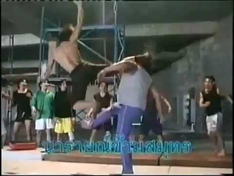 Tony Jaa Stunts - ONG BAK behind the scenes Amazing.mp4