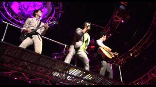 Jonas Brothers - That's just the way we roll (Concert) HD