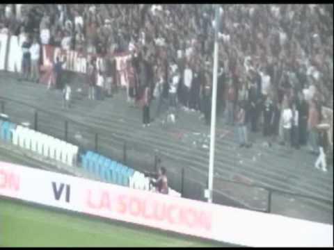 """""""Dale ROJO, dale RO VS Argentinos"""" Barra: La Barra del Rojo • Club: Independiente"""