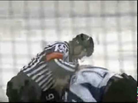 Cason Machacek vs Connor Redmond