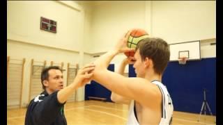 Смотреть онлайн Как научиться бросать трехочковый бросок в баскетболе